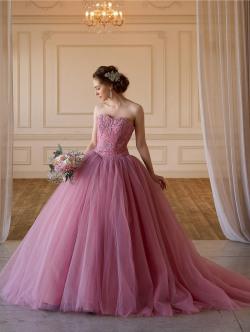 グレーピンクのカラードレス 大人のシックなカラードレス